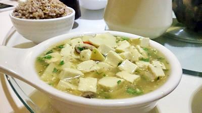 荠菜豆腐煲