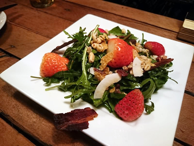 Arugula Salad with Strawberry & Crispy Bacon